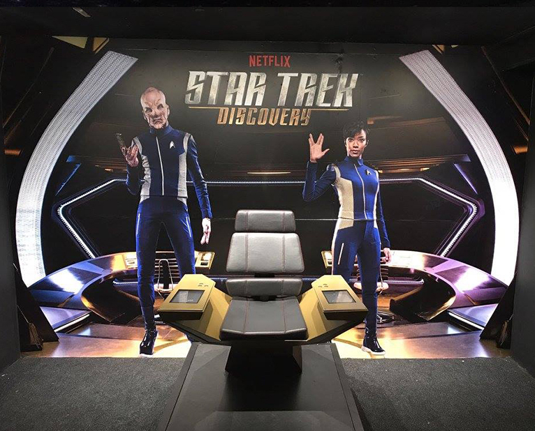 star trek netflix wallcoverings
