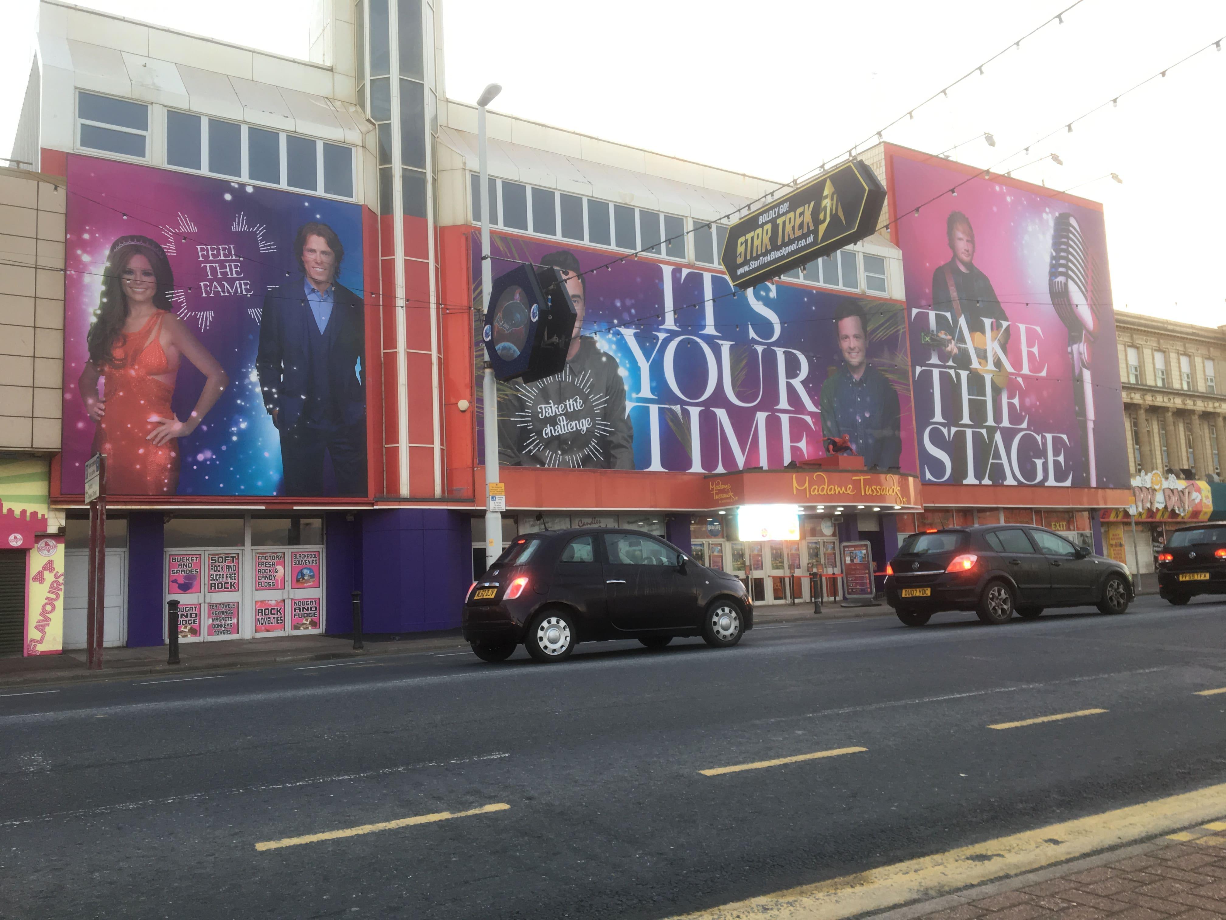 madame tussauds banner graphics signage