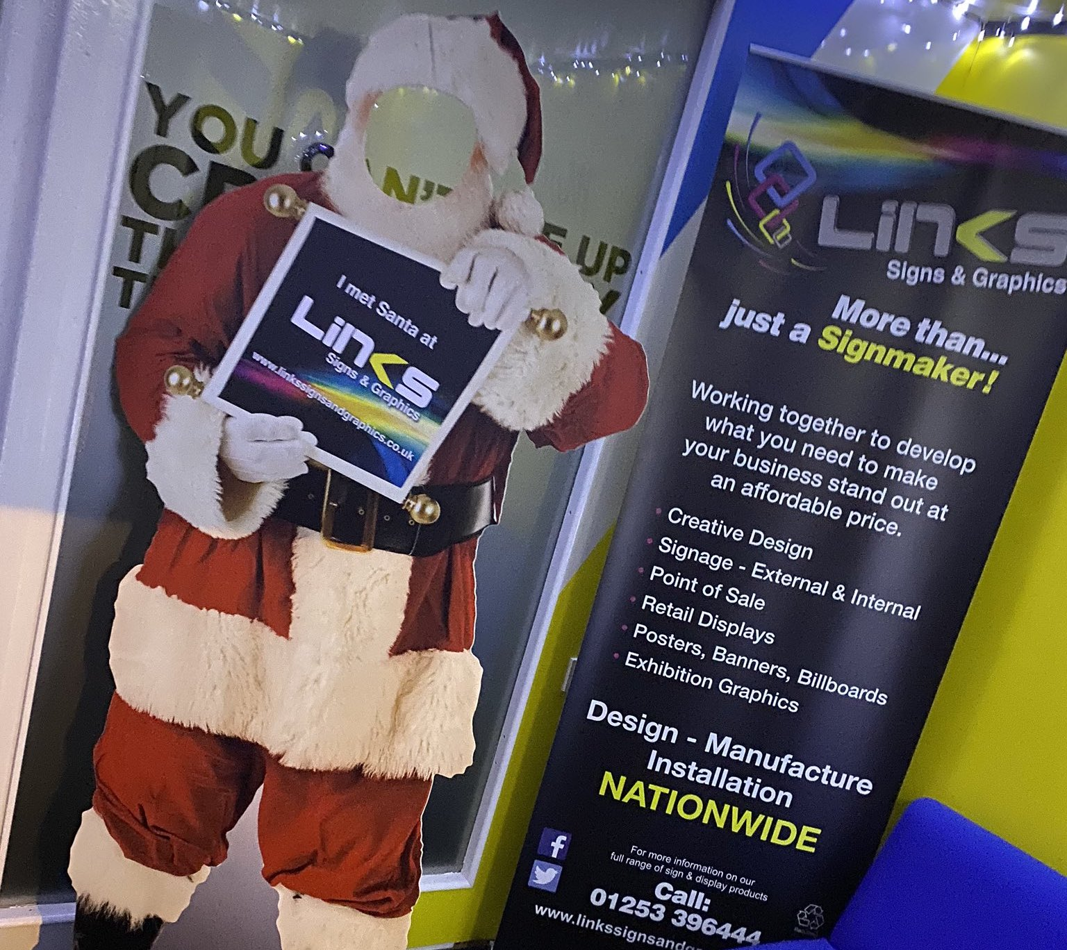 meet santa at links signs and graphics
